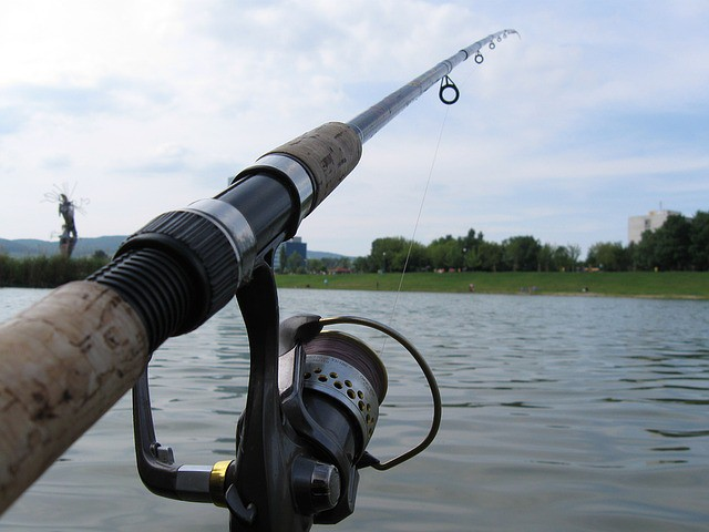 Spinning rod vs casting rod how are they different for Open reel fishing pole